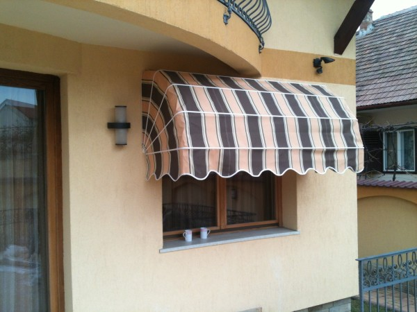 marchiza cu brate retractabile